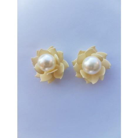 Floral Pearl Studs (White-Cream)