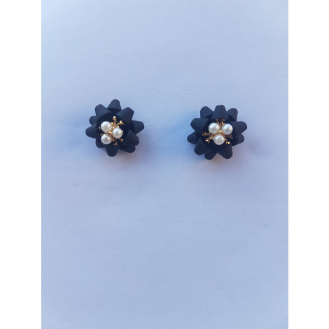 Flower Four Leaf Stud Earrings (Black)