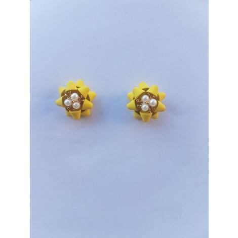 Flower Four Leaf Stud Earrings (Yellow)