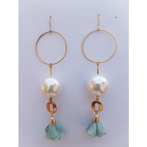 Pearl drop Earrings (Light Blue)