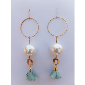 Pearl drop Earrings (Light Blue)